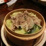 地場飯&地酒 満天 - 野菜と豚のセイロ蒸し 600円