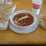 1760388 - 鶏肉のカレー(ベリーホット)、サラダ、ロティ、ラッシー