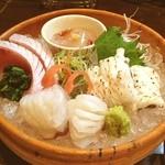 旬味 いやさか - 造り盛り合わせ(穴子、蛸、鰤及びのれそれ)