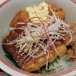 常盤荘別邸 霧島津 - 都城牛のサーロインステーキ、豚肉の生姜焼き、チキン南蛮のせ。