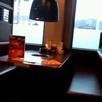 大阪ホルモン - テーブル席