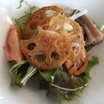 メディーナ - カリカリレンコンがおいしいサラダ