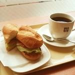 ドトールコーヒーショップ - 散歩がてらの昼飯 軽く済ませる!