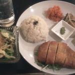 サウスゲート - 抹茶塩で食べるとんかつプレート750円