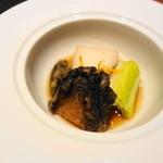 はせ茂 - 炊き合わせ(アワビ,うるい,海老芋)