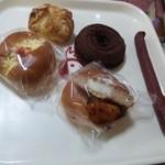 17610302 - ☆惣菜パンも100円嬉しい!!☆
