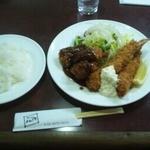 17610861 - 海老フライとヒレカツ定食