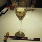麓屋 - お箸でいただくフレンチです。スパークリングorグラスワイン1杯だけ付いてます♪