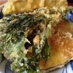 手打蕎麦 和の里 - 半天丼は、ご飯だけが半ライス 天麩羅はしっかり一人前!