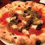 トラットリア・クラウディア - ピザ・ナポレターナ