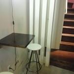 リュモンコーヒースタンド - 1階席とカウンタ