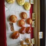 Baker nap - つやつやパン達