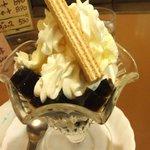 喫茶なつめ - モカパフェ\580