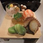 壽山 - イイダコ そら豆 車海老の中は大和芋       たちにすっぽんの煮こごり