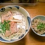 米八そば - ソーキそば(大) と ジューシー
