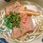 米八そば - ソーキそば(大) 650円