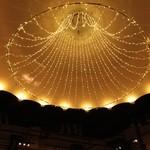 レストラン サッポロ - レストラン中央部の大きなシャンデリアです。