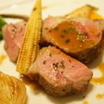 ラシェリール - 骨付き仔羊のロースト バジル風味のシェリーソース