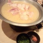 九州黒桜 - 丸鶏 博多コラーゲン水炊き鍋