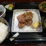 17635455 - まぐろの尾肉竜田揚げごはん(2013/03/04撮影)