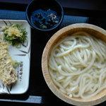 丸亀製麺 - 釜揚げうどん(並)280円+ちくわ天100円
