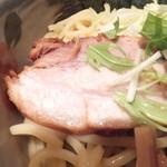 つけ麺 椿 - アンデス高原豚をハーブで煮込んだハーブ豚