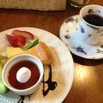 喫茶 フォレスト - ランチに+450円でデザートセット♪