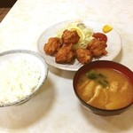 三宝食堂 - 今日の晩メシ。 唐揚げ定食でした。