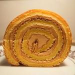 シトロン・シュクレ - 塩バターキャラメルのロールケーキ