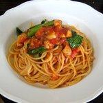 1764167 - いろいろなお魚のフレッシュトマトソースのスパゲティ