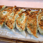 東京荻窪中華そば 春木屋 めんめん - 餃子美味しいですね。