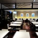 17642518 - 1階レストラン(お夜食と朝食)