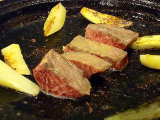 菊善 - 石焼すてーき2675円(サラダ、ライス、お吸い物、茶そば、デザート付)