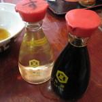 谷川米穀店 - 出汁は無く、酢と醤油で頂きます。