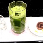 菊屋 - 冷やし抹茶(生菓子付き)¥750