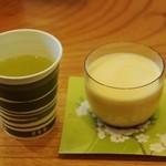 17645282 - お茶(フリーサーバー)