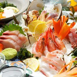地元の大洗港や那珂湊港で水揚げされた鮮度抜群の魚介や旬の野菜で大宴会