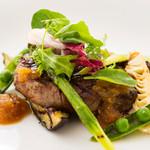 オーヴェスト - 地上100mの夜景と素材の旨みを感じられる料理の数々