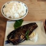三州屋 - 鯖の塩焼きご飯大赤だし(920円)