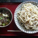 製麺練場 風布うどん - 肉汁つけうどん650円〜