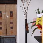製麺練場 風布うどん - 矢筒の花瓶がユニーク