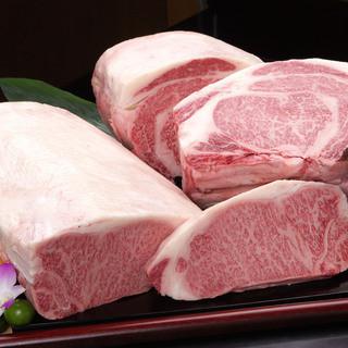 沖縄ならではの高級食材の数々に、お忍びでやってくる著名人も