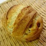 メゾン・カイザー・ショップ - 料理写真:イチジクのパン