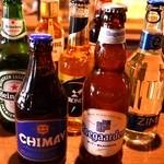 ヴォストーク カフェ - 各国のビールも常時おいてあります♪
