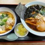 千成食堂 - 料理写真:日替り定食(680円) 半チキンカツ丼・ラーメン
