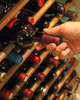 ニコラス - お料理に合うワインも多数取り揃え