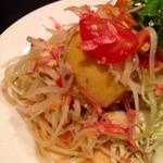 アジア屋台飯 カナン - ソルタムタイ(青パパイヤの辛いサラダ680円)