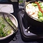 17665356 - もつ鍋(俺流)とみずなとじゃこのサラダ