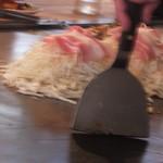 広島風お好み焼 ピックアップ - お好み焼き作成中 1 【 2013年3月 】