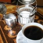 ジャズ喫茶ちぐさ - シュガーポットもミルクポットも 素敵♪